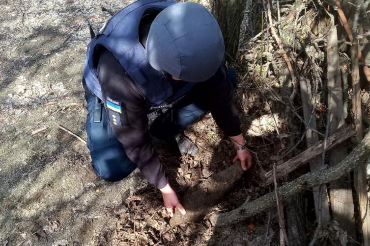На околиці Івано-Франківська надзвичайники знищили смертоносну знахідку
