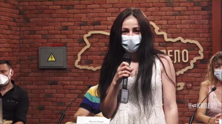 Юлія Четверякова, звільнений лікар з медицини надзвичайних станів КНП ХОР