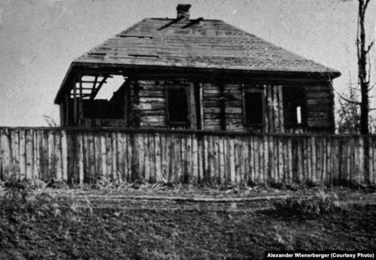 Сільська хата, мешканці якої загинули під час Голодомору