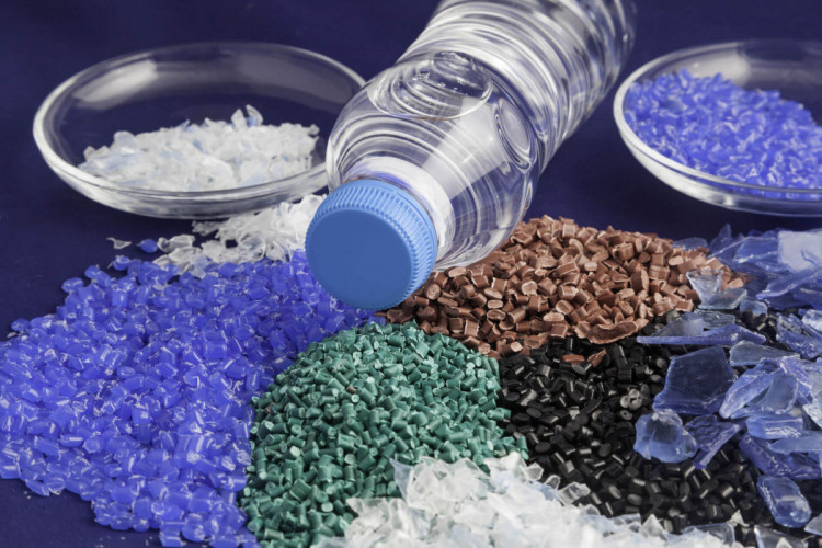 Пластик може стати вторинною сировиною для виготовлення корисних продуктів