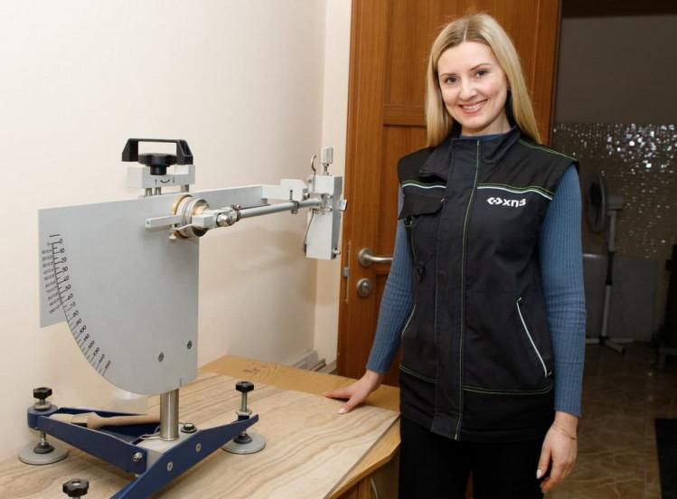 Харківський плитковий завод зебезпечує своїх працівників уніформою