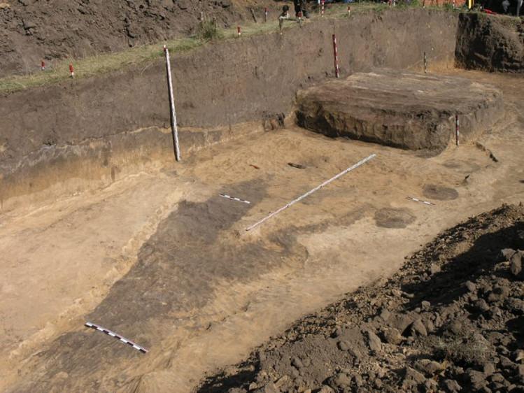В Люботине под Харьковом был обнаружен самый большой скифский курган