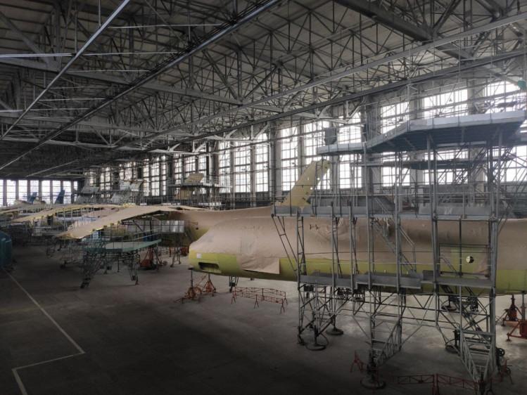 Недостроенные Ан-74 в цехах ХГАПП