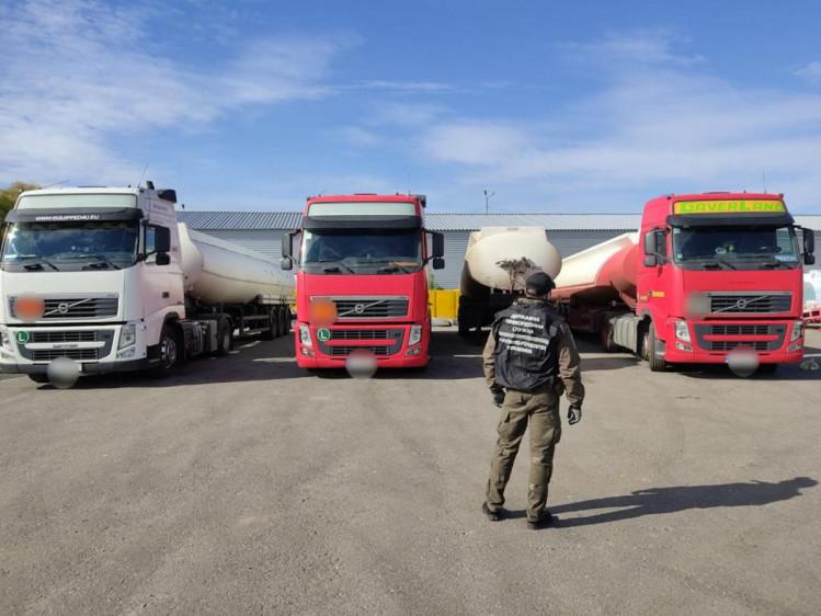 На Харьковщине правоохранители изъяли 160 000 литров спиртовой жидкости